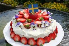 Midzomergateau met Zweedse aardbeien Royalty-vrije Stock Fotografie