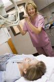mieć cierpliwego pielęgniarka promień x obraz stock