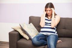 Mieć migreny podczas brzemienności obraz royalty free