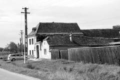 mieści chłopa Typowy wiejski krajobraz w Bradeni, Henndorf, Hegendorf, Transylvania, Rumunia Fotografia Stock
