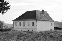 mieści chłopa Typowy wiejski krajobraz w Bradeni, Henndorf, Hegendorf, Transylvania, Rumunia Zdjęcie Stock