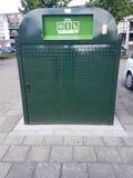 Śmieciarski zbiornik dla odpady warzywa, ogród owoc w Krimpen aan melinie IJsse zdjęcia royalty free