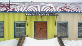 Miecielica, śnieg spada od dachu Timelapse zdjęcie wideo