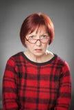 Miedzianowłosa kobieta, portret, wyraz twarzy, pyta obraz royalty free