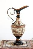 miedziany język arabski dzbanek ornamentuje tradycyjnego Zdjęcia Stock