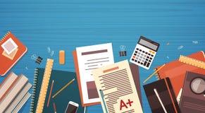 Miejsca pracy biurko Dokumentuje papieru materiału Odgórnego kąta widoku kopii Skoroszytową Biurową przestrzeń ilustracja wektor