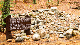 Miejsce Henry David Thoreau kabina na Walden stawie Zdjęcie Royalty Free