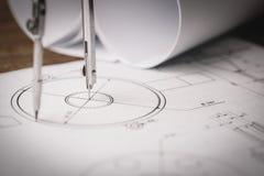 Miejsce pracy - techniczny projekta rysunek z inżynierii narzędziami Zdjęcia Royalty Free