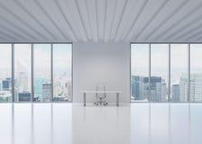 Miejsce pracy w nowożytnym panoramicznym biurze w Miasto Nowy Jork fotografia stock