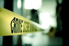 Miejsce przestępstwa taśma tajemnicza skrzynka w cenematic brzmieniu z kopią Zdjęcia Stock