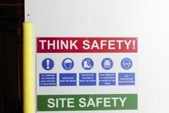 Miejsce zbawczy początki tutaj myśleć bezpiecznego budowa znaka zdjęcie royalty free