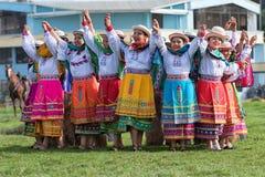Miejscowe quechua kobiety w tradycyjnej odzieży outdoors Zdjęcie Stock