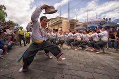 Miejscowi kechwa tancerze w Ekwador Obrazy Stock