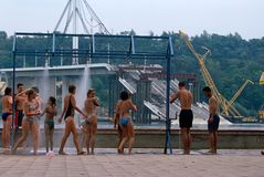 Miejscowi w kąpanie kostiumach, Danube rzeka, Serbia. Fotografia Stock