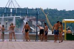 Miejscowi w pływackich kostiumach, Danube rzeka, Serbia Fotografia Royalty Free
