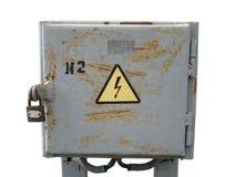 Miejska elektryczna klauzura z ośniedziałą kłódką i wysokim vol Fotografia Stock