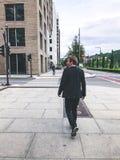 miejskiego życia Ludzie Chodzi W Dużym mieście Fotografia Stock