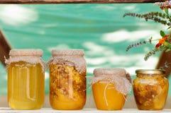 Miel en los bancos en el festival de la miel Fotografía de archivo