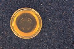 Miel et thé purs d'Assam Photographie stock