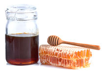 Miel frais avec le nid d'abeilles sur le fond blanc Images libres de droits