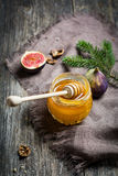 Miel naturel frais photographie stock libre de droits