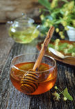 Miel, té del tilo y flor del tilo Imagen de archivo
