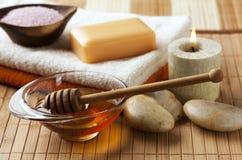 Miele per il trattamento della stazione termale Immagini Stock Libere da Diritti
