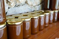 Miele turco locale e barattoli del miele Fotografie Stock