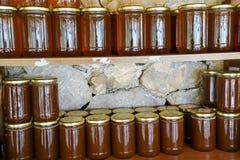 Miele turco locale e barattoli del miele Immagini Stock