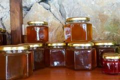 Miele turco locale e barattoli del miele Fotografia Stock Libera da Diritti