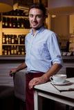 Miembro del personal del restaurante foto de archivo libre de regalías