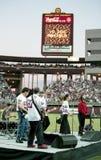 Miembros de los maniacos de la banda 10.000 en el Sun Devil Stadium Foto de archivo