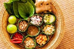 Mieng Kham (Thaise blad-Verpakte Snack) Royalty-vrije Stock Fotografie