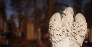 ?mier? anio? Antyczna statua na cmentarzu Ból, strach końcówki pojęcie obraz stock
