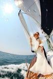Miesiąca miodowego rejsu żeglowanie Zdjęcie Royalty Free