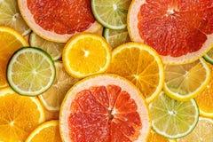 Mieszana Świeża plasterka cytrusa owoc jako tło Odgórny widok obraz stock