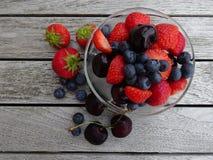 Mieszane jagody i wiśnie Obraz Stock