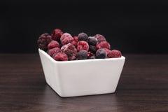Mieszane jagody wliczając malinki, czarna jagoda, czernicy Zdjęcie Royalty Free