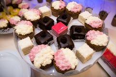 Mieszani barwioni wyśmienicie cukierki zdjęcie royalty free