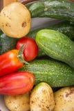 Mieszani organicznie warzywa w pucharze Zdjęcie Royalty Free