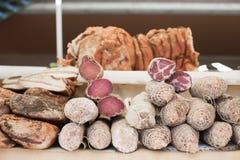 Mieszani różni leczący mięsa na półce obraz royalty free
