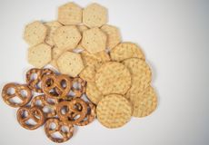 Mieszanka przekąski: precle, krakers, ciastka Zdjęcie Stock