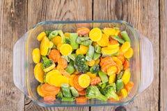 Mieszanka zamarznięci warzywa w szkle Zdjęcia Stock