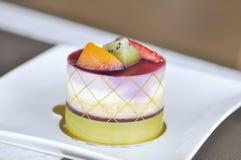 Mieszany owoc tort lub owoc brzoskwini i kiwi zasychamy Obrazy Royalty Free