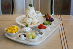 Mieszany Owocowy lody Bingsu koreańczyka deser Obraz Royalty Free