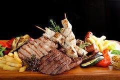 Mieszany piec na grillu mięso zdjęcia royalty free
