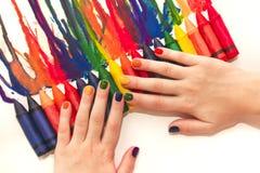Mieszany tęcz dzieci ` s manicure i rysunek Obrazy Stock