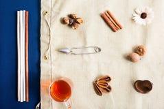 Mieszkań nieatutowi herbaciani acessories ustawiający Obraz Stock