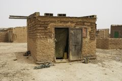 Mieszkać w slamsach Ouagadougou Burkina Faso Zdjęcia Royalty Free