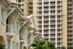 Mieszkania własnościowe i mieszkania wodą Obraz Stock